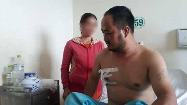 Người đàn ông tên Hong Kong bị đâm thủng phổi khi ở trong nhà nghỉ - Ảnh 1.