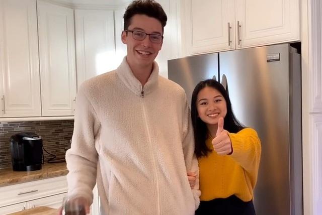 Con gái MC Kỳ Duyên gây chú ý khi xuất hiện bên bạn trai 1,92 m - Ảnh 1.
