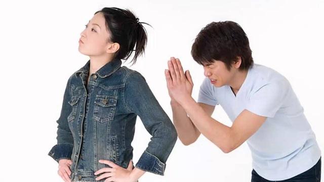 8 hành động không thể hiểu nổi mà phụ nữ thường làm khi ghen tuông - Ảnh 1.