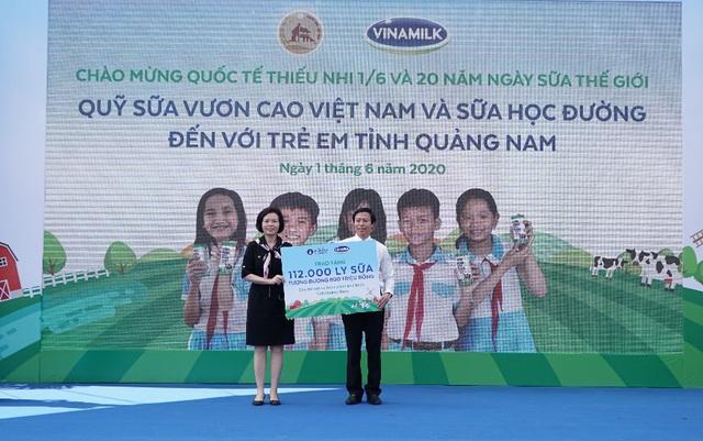 34.000 trẻ em Quảng Nam đón nhận niềm vui uống sữa từ Vinamilk trong ngày 1/6 - Ảnh 3.