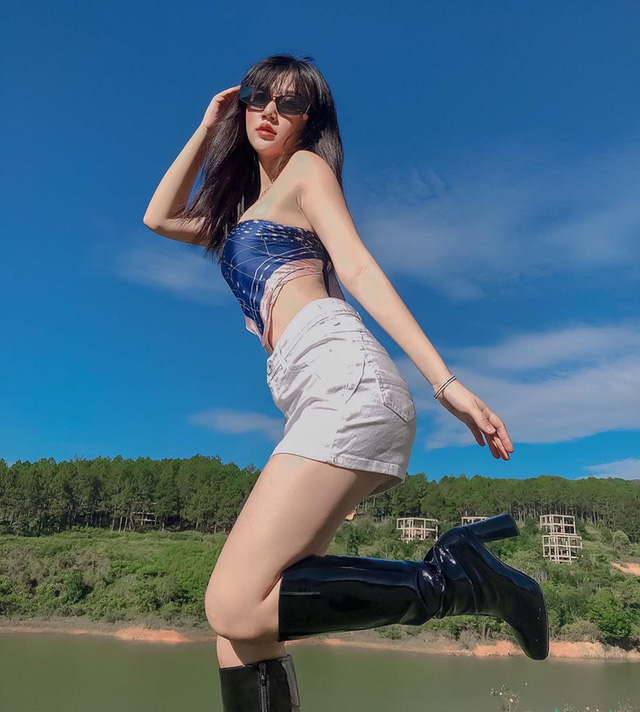 Không chỉ idol Hàn, hội gái xinh Việt cũng đang ầm ầm lấy khăn làm áo, ai cũng sexy thấy mê - Ảnh 7.