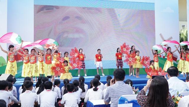 34.000 trẻ em Quảng Nam đón nhận niềm vui uống sữa từ Vinamilk trong ngày 1/6 - Ảnh 9.