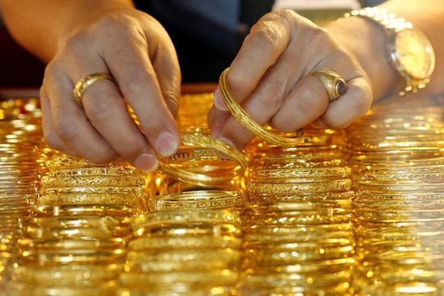Giá vàng hôm nay 20/6: Tăng dựng đứng - Ảnh 1.