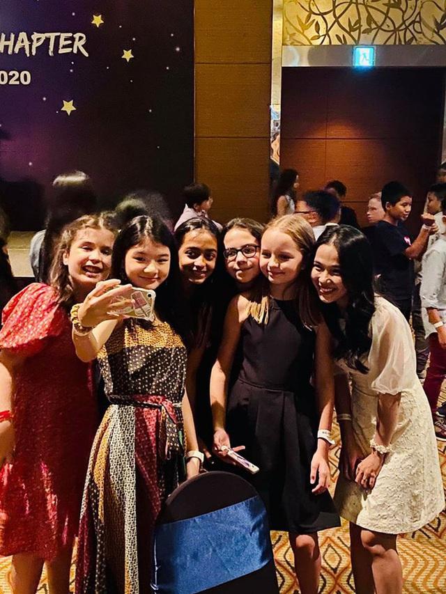 Trương Ngọc Ánh và Trần Bảo Sơn bên nhau trong tiệc của con gái - Ảnh 5.