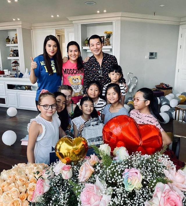 Trương Ngọc Ánh và Trần Bảo Sơn bên nhau trong tiệc của con gái - Ảnh 6.
