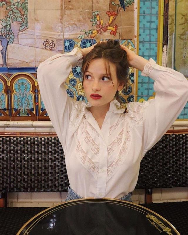Để diện đồ công sở chuẩn xinh và thanh lịch không kém phụ nữ Pháp, chị em chỉ cần sắm 5 items - Ảnh 4.