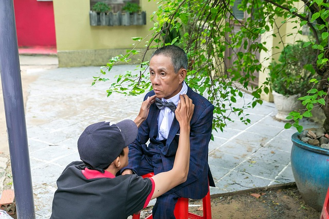 Người mang niềm vui trọn vẹn cho các cặp đôi khuyết tật - Ảnh 7.