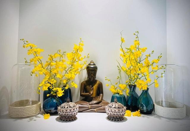 Căn hộ ngập sắc hoa của Ngọc Diễm - Ảnh 3.