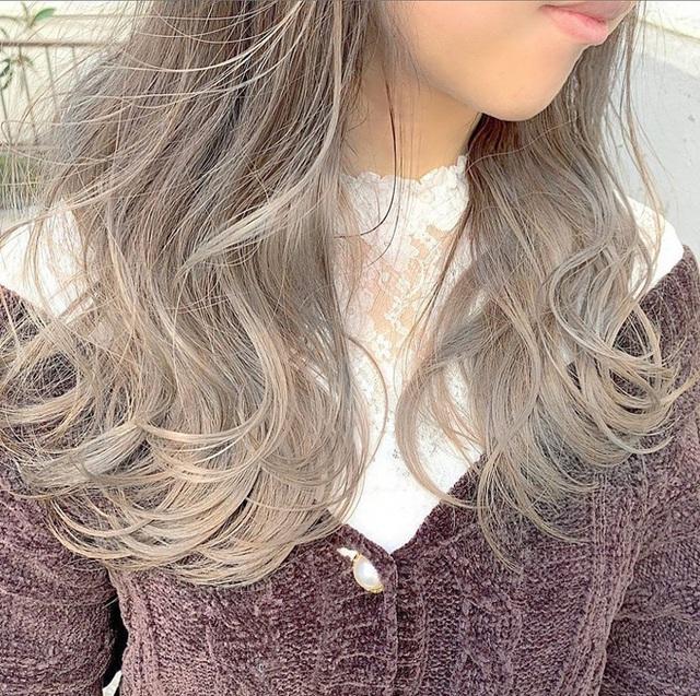 """Hè này mà chơi màu beige cho tóc thì bạn không chỉ xinh ngọt mà visual cũng """"lên mây"""" - Ảnh 3."""