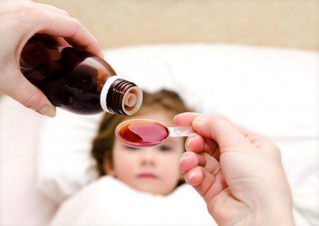 Từ vụ bé 11 tuổi suýt chết vì uống thuốc của mẹ: Những nguyên tắc sống còn khi dùng thuốc cho con nhất định mẹ phải nhớ - Ảnh 2.