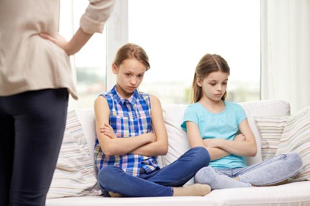 Bỏ ngay 7 sai lầm khi nuôi dạy con này đi nếu không muốn hủy hoại tương lai của con - Ảnh 1.