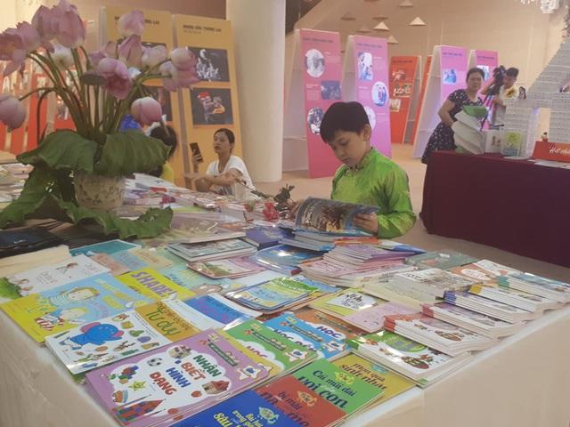 Giao lưu cùng NSND Trung Anh – Về nhà đi con trong Ngày hội Gia đình Việt Nam - Ảnh 5.