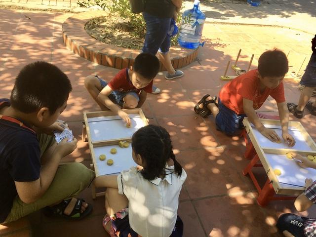 """MC Minh Trang đem """"Ngày hội gia đình đến làng trẻ em SOS - Ảnh 7."""