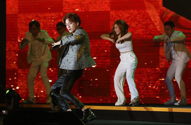 Hồ Quỳnh Hương trở lại sân khấu sau thời gian dài vắng bóng, biểu diễn thăng hoa - Ảnh 7.