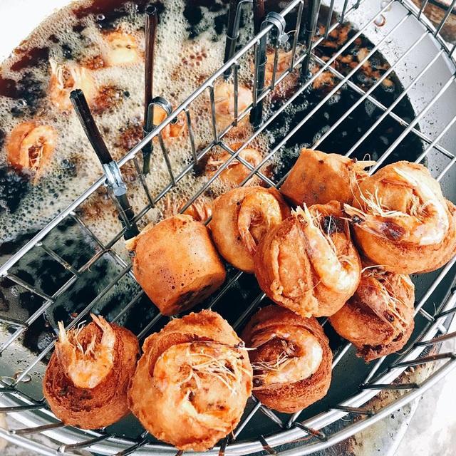 Thưởng thức những món bánh miền Tây được người Sài thành yêu thích - Ảnh 10.