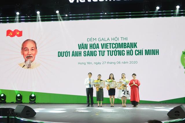 """Hội thi """"Văn hoá Vietcombank dưới ánh sáng tư tưởng Hồ Chí Minh"""" thành công tốt đẹp - Ảnh 4."""