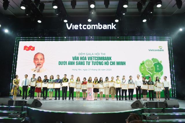 """Hội thi """"Văn hoá Vietcombank dưới ánh sáng tư tưởng Hồ Chí Minh"""" thành công tốt đẹp - Ảnh 6."""