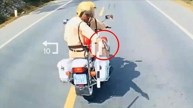 Luật sư nói gì về vụ CSGT Lạng Sơn rút súng truy đuổi xe tải vi phạm? - Ảnh 1.