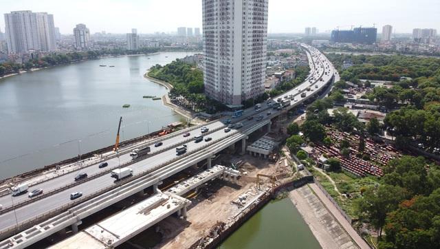 Cầu vượt thấp qua hồ Linh Đàm sắp hoàn thiện khiến hàng vạn cư dân vui mừng - Ảnh 2.