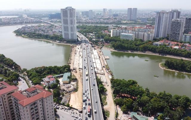 Cầu vượt thấp qua hồ Linh Đàm sắp hoàn thiện khiến hàng vạn cư dân vui mừng - Ảnh 3.