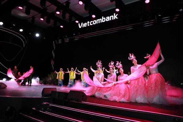 """Hội thi """"Văn hoá Vietcombank dưới ánh sáng tư tưởng Hồ Chí Minh"""" thành công tốt đẹp - Ảnh 12."""