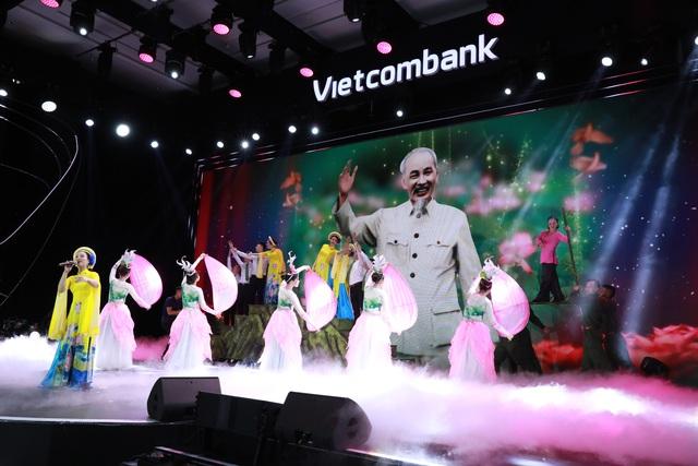 """Hội thi """"Văn hoá Vietcombank dưới ánh sáng tư tưởng Hồ Chí Minh"""" thành công tốt đẹp - Ảnh 11."""