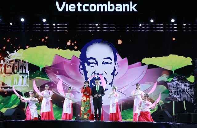 """Hội thi """"Văn hoá Vietcombank dưới ánh sáng tư tưởng Hồ Chí Minh"""" thành công tốt đẹp - Ảnh 10."""