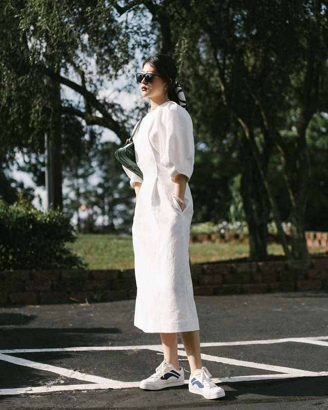 Nàng fashion blogger gợi ý 9 set màu trung tính để chị em công sở dù vụng về hay không có nhiều đồ vẫn mặc đẹp khỏi nghĩ - Ảnh 1.