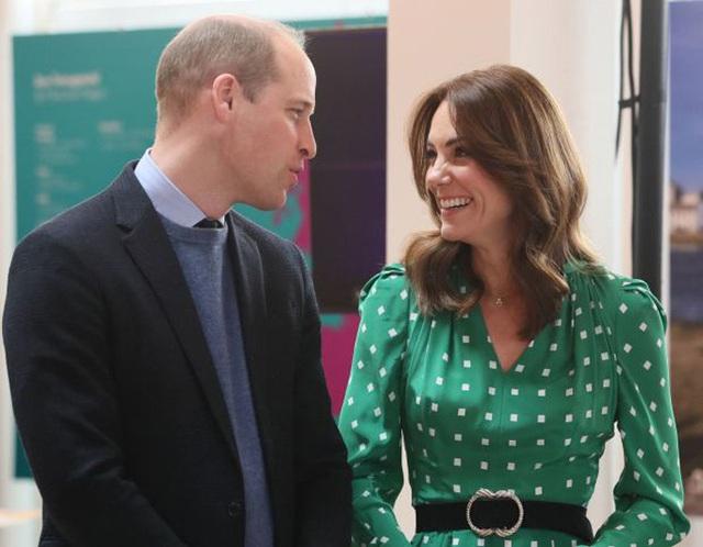 Công nương Kate kìm mình để không lấy mất hào quang của William - Ảnh 2.