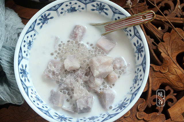 Ngậy thơm, ngọt lịm món chè khoai môn bột báng trong ngày nóng - Ảnh 8.