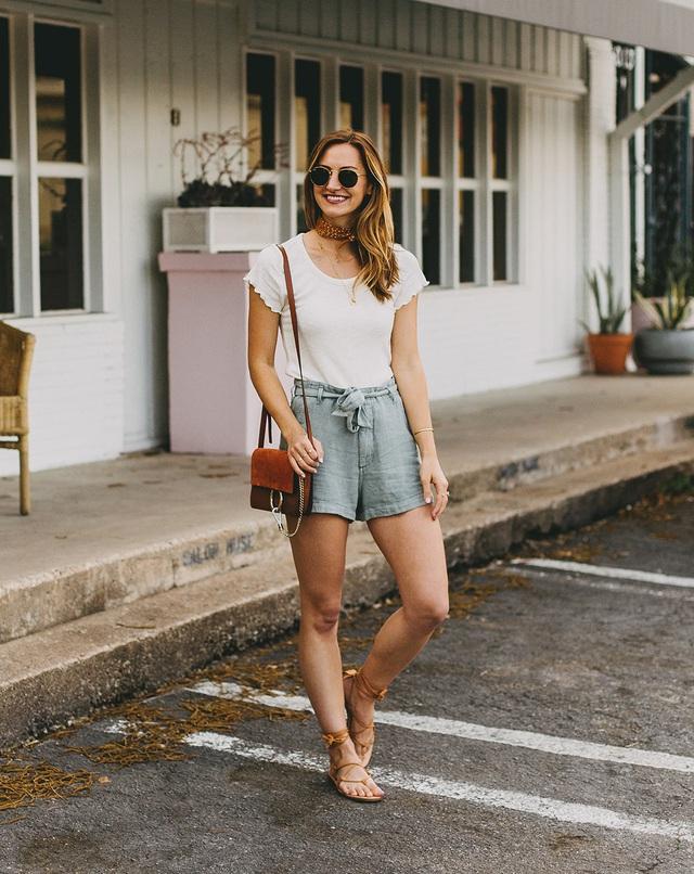 Ai cũng biết quần short ống rộng là item hot nhất hè 2020, mix với kiểu áo nào cho sành điệu mới khó - Ảnh 13.