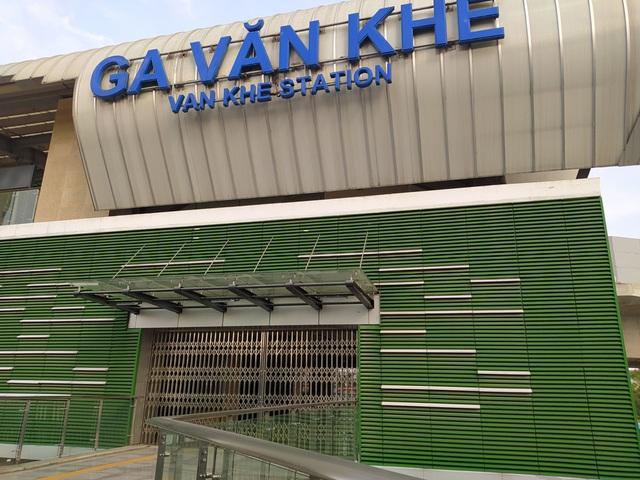 Đường sắt Cát Linh - Hà Đông chưa hẹn ngày vận hành, nhưng dân có thể... trồng rau, nuôi gà ngay phía dưới - Ảnh 16.