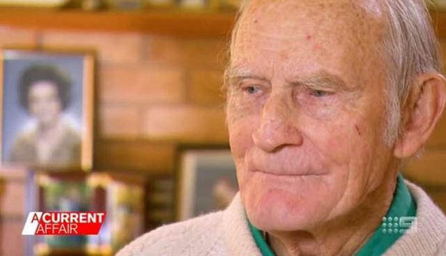 Ông lão chi 50.000 USD trong 8 năm để đuổi con gái khỏi nhà - Ảnh 1.