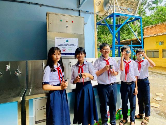 """Tập đoàn Novaland - lan tỏa niềm vui """"nước sạch học đường"""" đến huyện Bắc Bình, tỉnh Bình Thuận - Ảnh 2."""