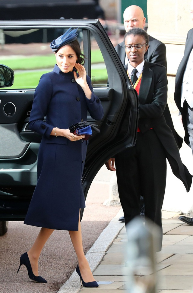 Tiết lộ mới gây sốc: Hoàng gia tức giận, Harry xấu hổ vì hành động vô duyên của Meghan ngay trong hôn lễ của công chúa nước Anh - Ảnh 1.