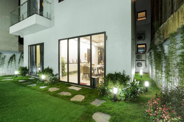Căn biệt thự với 2 mảnh sân vườn ở Hà Nội - Ảnh 3.