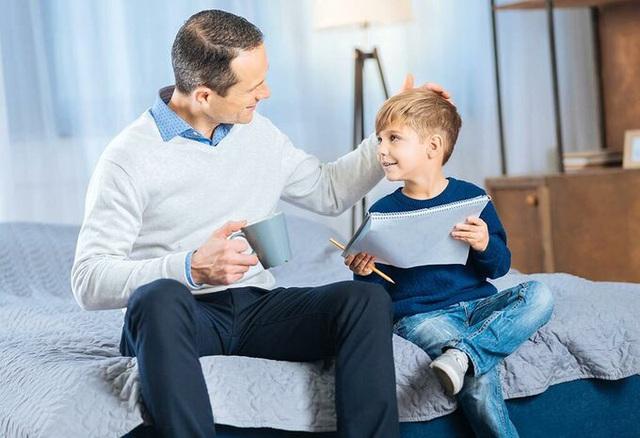 Lợi và hại của việc khen ngợi con cái - Ảnh 1.
