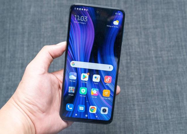 7 smartphone pin khủng giá 6 triệu đồng - Ảnh 2.