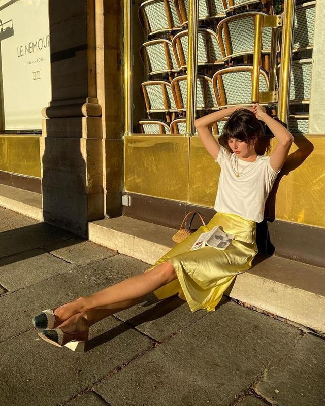 4 mẫu chân váy xinh như mộng được phụ nữ Pháp si mê từ năm này qua tháng khác, bạn sắm theo là style đã lên đời rồi - Ảnh 5.