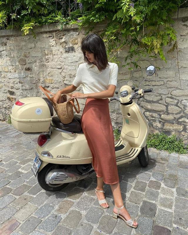 4 mẫu chân váy xinh như mộng được phụ nữ Pháp si mê từ năm này qua tháng khác, bạn sắm theo là style đã lên đời rồi - Ảnh 6.