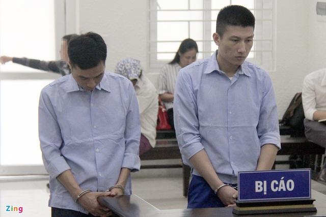 Bị cáo buộc nhận 150 triệu rồi thả tự do cho nghi phạm, 2 cựu công an phải ngồi tù - Ảnh 1.