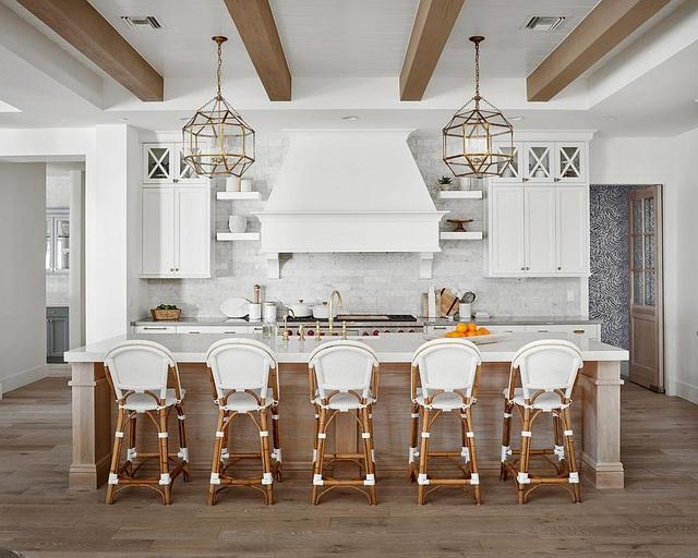 Kiến trúc sư bày cách sử dụng gam màu trắng và 5 kiểu kết hợp đình đám cho không gian bếp của các gia đình - Ảnh 2.