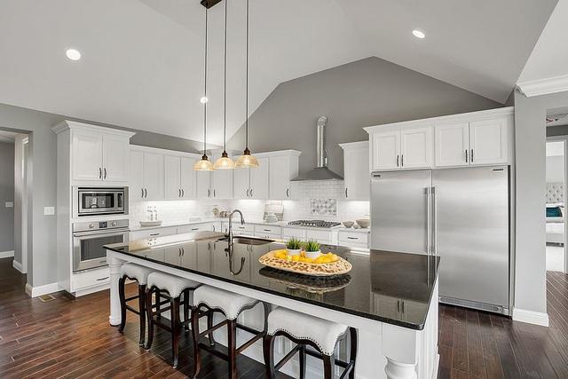 Kiến trúc sư bày cách sử dụng gam màu trắng và 5 kiểu kết hợp đình đám cho không gian bếp của các gia đình - Ảnh 11.
