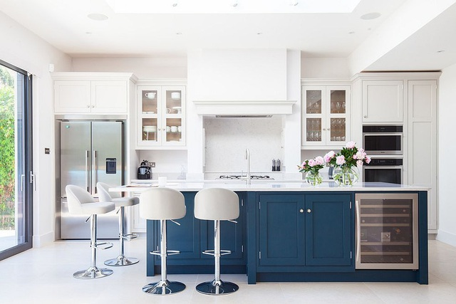 Kiến trúc sư bày cách sử dụng gam màu trắng và 5 kiểu kết hợp đình đám cho không gian bếp của các gia đình - Ảnh 20.