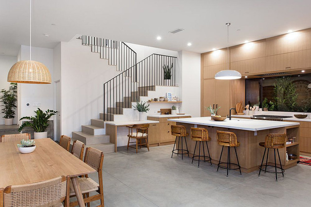 Kiến trúc sư bày cách sử dụng gam màu trắng và 5 kiểu kết hợp đình đám cho không gian bếp của các gia đình - Ảnh 3.