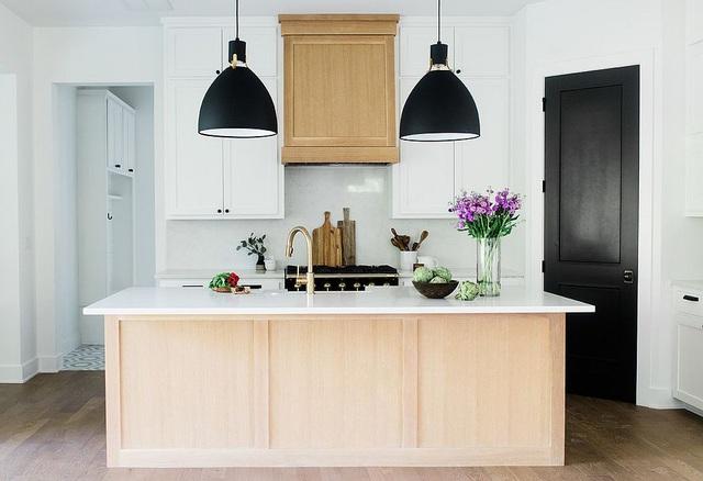 Kiến trúc sư bày cách sử dụng gam màu trắng và 5 kiểu kết hợp đình đám cho không gian bếp của các gia đình - Ảnh 9.