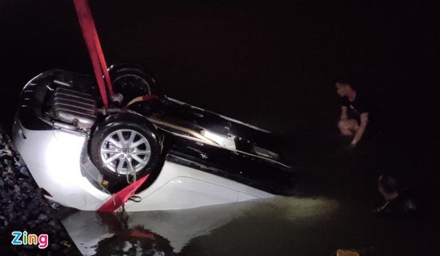 Vụ ôtô lao xuống biển: Lái xe có nồng độ cồn trong máu - Ảnh 1.