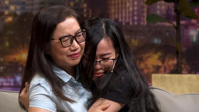 NSND Hồng Vân nói với người mẹ khuyết tật: Cách dạy con của chị khiến tôi rùng mình - Ảnh 3.