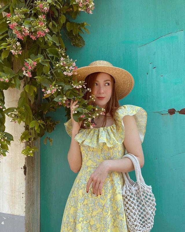 Có 5 kiểu váy các sao Việt đang diện tới diện lui, bạn cứ sắm theo là mặc đẹp nguyên hè - Ảnh 2.