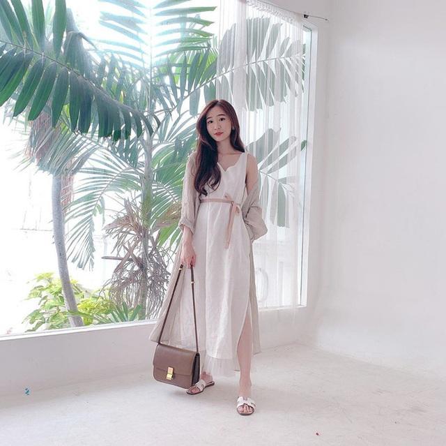 Suốt ngày diện đồ trắng, cô nàng này chưa bao giờ thất bại trong việc mặc đẹp từ công sở ra phố - Ảnh 12.